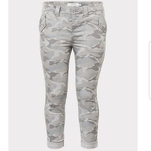 Crop twill military pant
